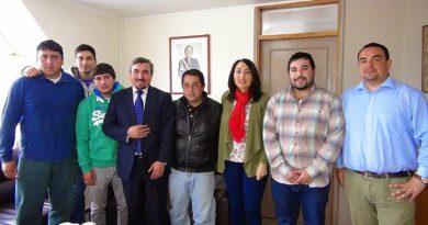 Alcalde de Purén recibió a Club Autosport Tunning