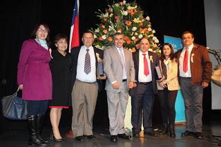 ASISTENTES  DE LA EDUC. RECIBIERON RECONOCIMIENTO