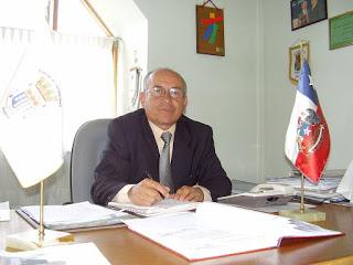 PROFESOR  BENIGNO QUIÑONES LARA   NUEVO GOBERNADOR DE  MALLECO
